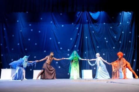 Obra de teatro escolar en Santiago.