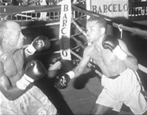 Rafael Torres en pelea por el título.