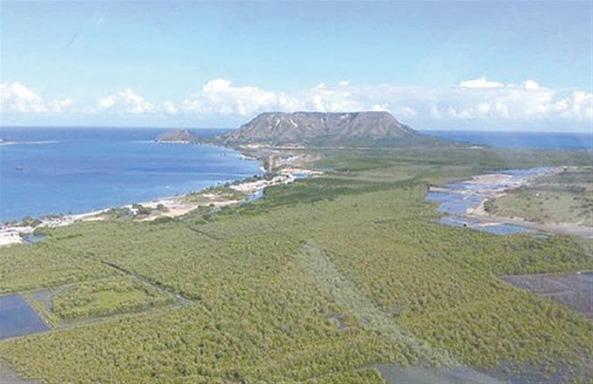 Una vista panorámica de los hermosos cayos; al fondo el imponente y atractivo Morro.