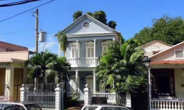 Casa en la calle Cuba, entre Del Sol y General Cabrera.