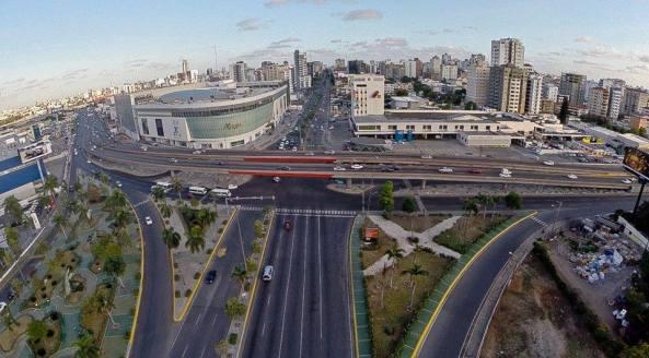 Zona metropolitana de Santo Domingo, intersección de las avenidas Abraham Lincoln y John F. Kennedy, Fotografía por SynDrones.