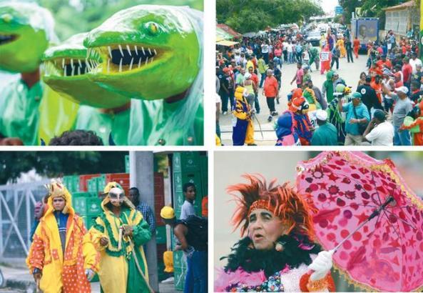 """Personaje. Lola Jiménez tiene 34 de sus 77 años disfrazándose de robalagallina en Montecristi. Cada año cambia su traje. """"Yo fui reina del carnaval en 1996"""", comenta mientras se dirige alegre a modelar el traje de este año."""